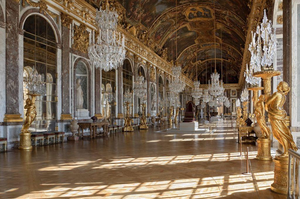 フランス、ヴェルサイユのヴェルサイユ宮殿のギャラリーデグラース(鏡のホール)