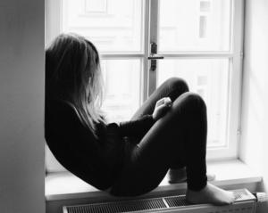 なぜリスカをするのか、自傷行為の本質を考察してみる