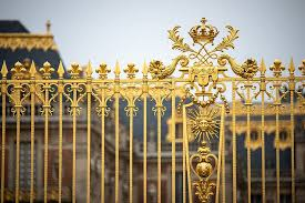 versailles prison gold
